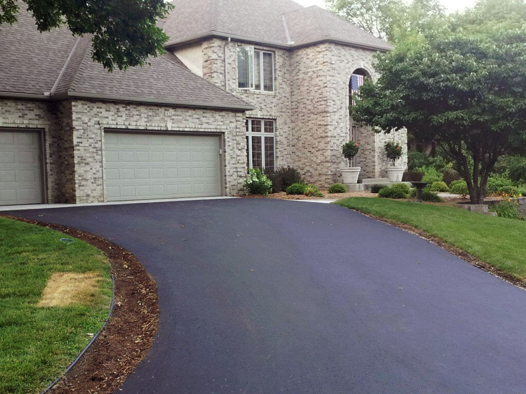 Professional Asphalt Paving  Company in Bend Oregon