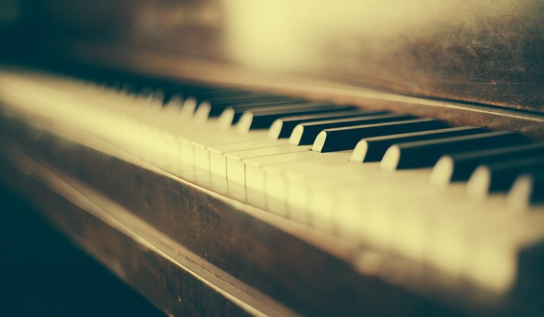 Move Your Piano With Professional Movers
