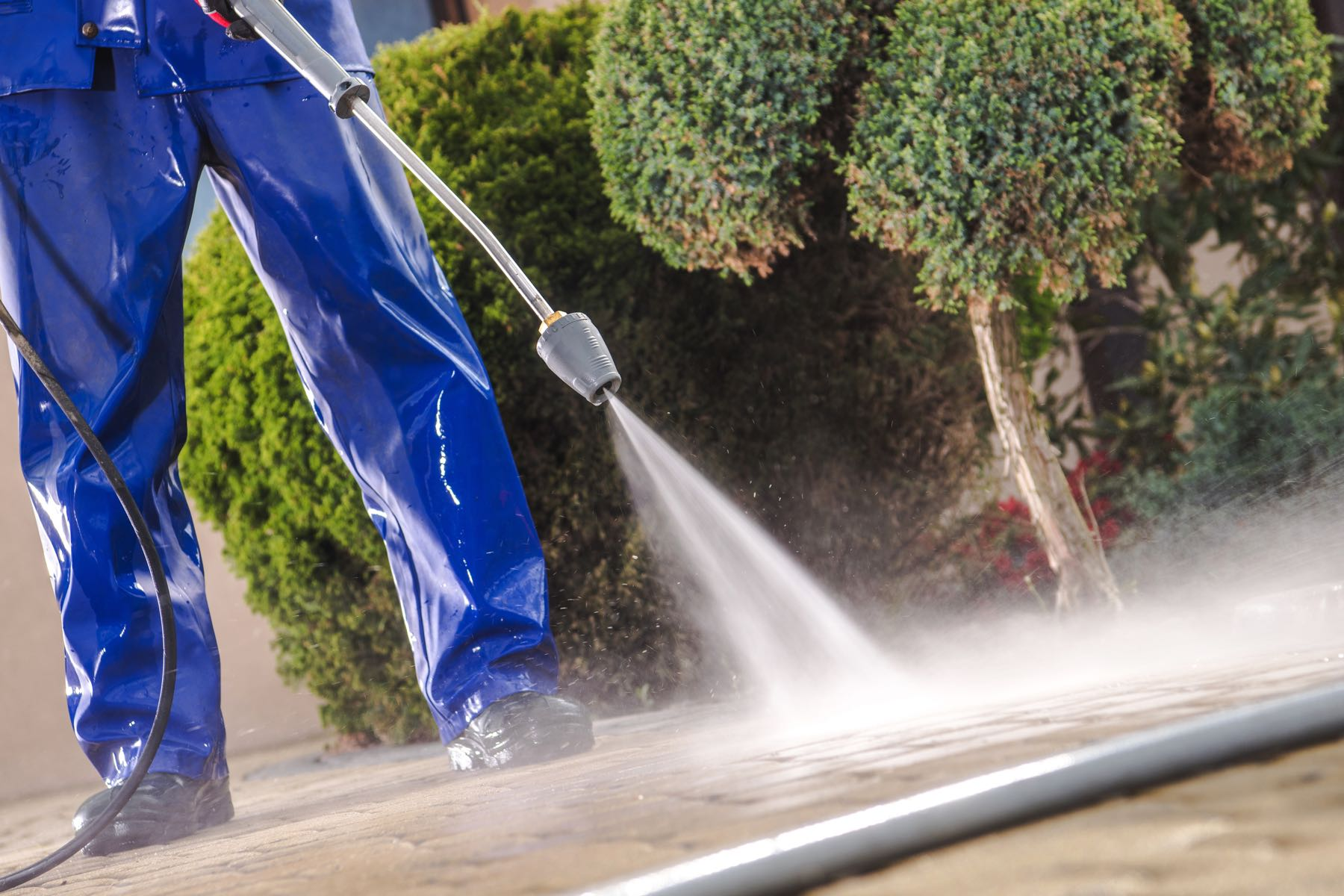How to Get Free Quotes for Exterior Power Washing Services Using Technical Access Method